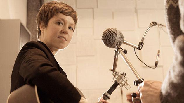 The Toerag Sessions – Emily Barker