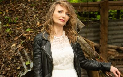 First Single Release from Kelly Bayfield's Debut Album – VIDEO EXCLUSIVE