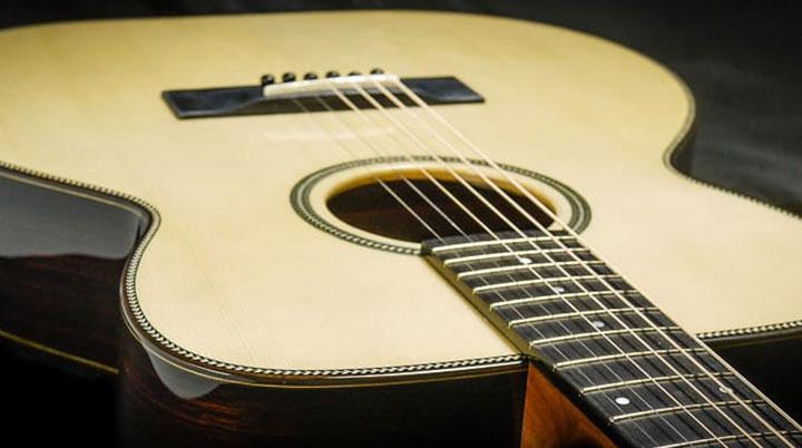 English Guitar Maker Nigel Forster Celebrates 30 Years of Instrument Making